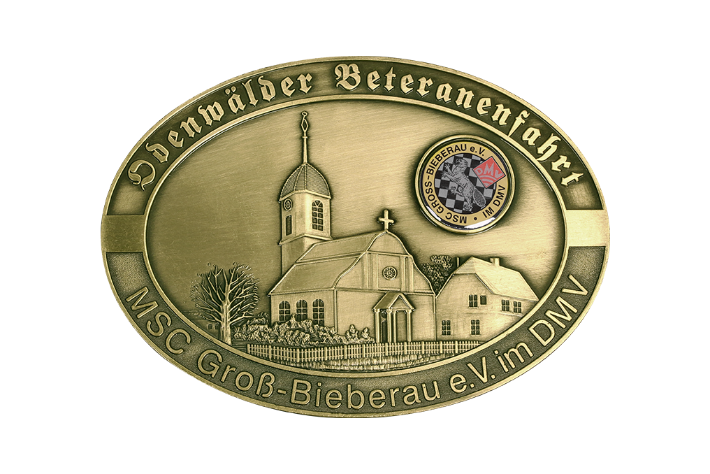 3D Relief, Zinkguss, antik Messing, Logo Offsetdruck mit Glasurlack, aufgeklebt